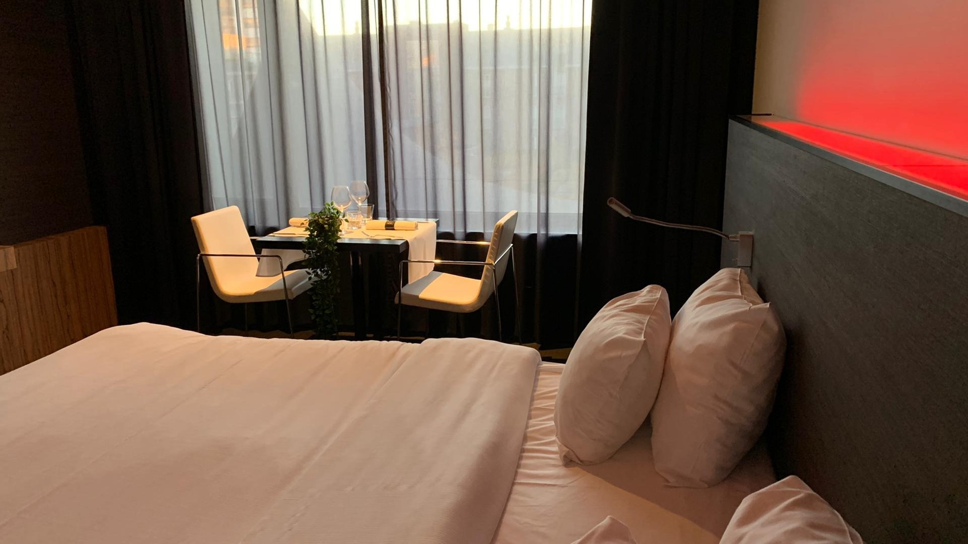 Carbon Hotel - In Room Dining Experience