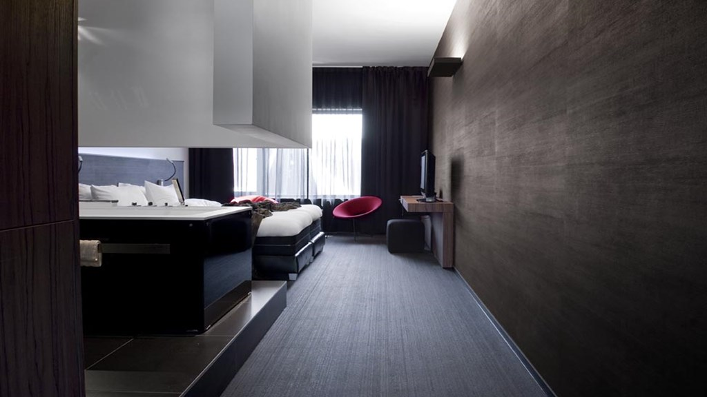 CARBON HOTEL GENK WELLNESS DELUXE KAMER