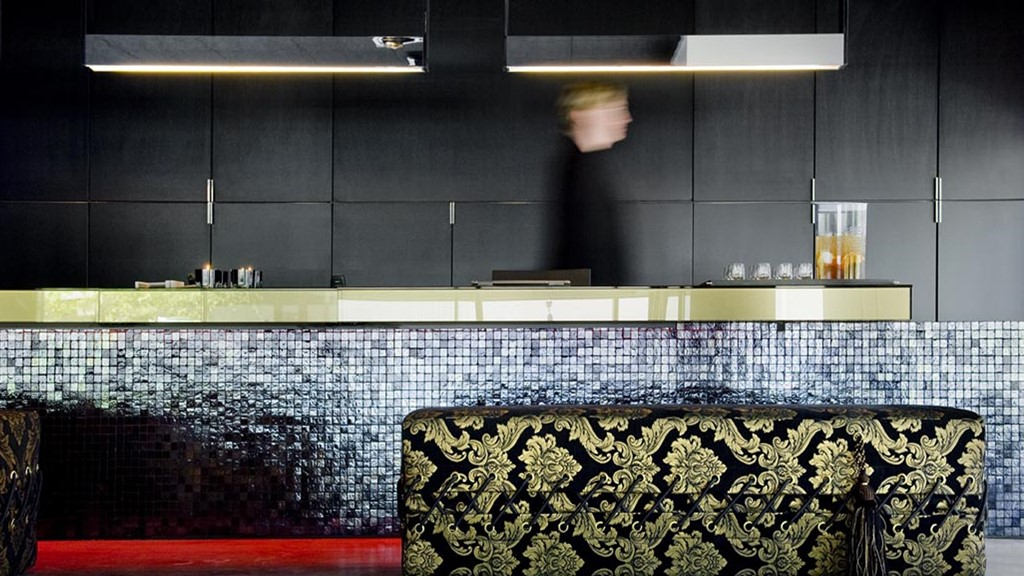Carbon Hotel - Vacature guest loving host