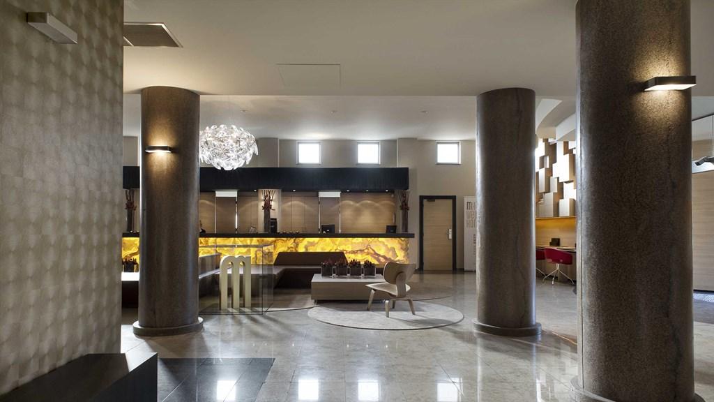 M HOTEL WANDELEN EN FIETSEN
